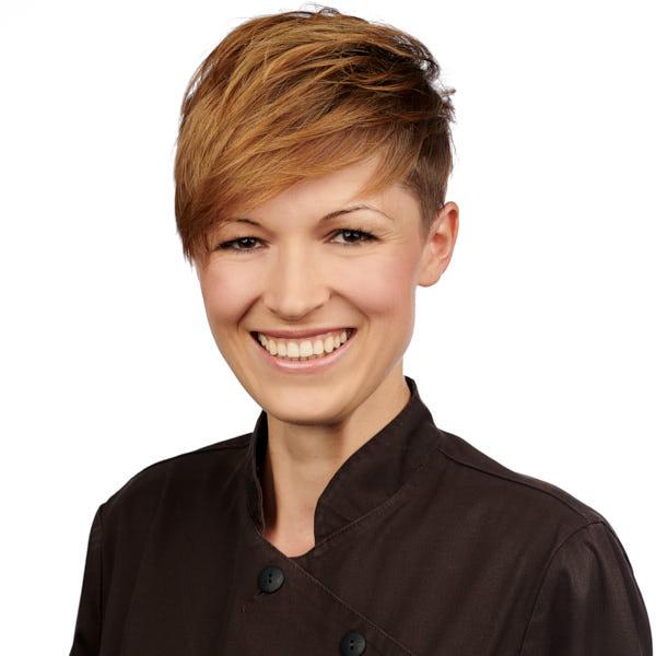 Porttrait Daisy Puschner; Zahnmedizinische Fachangestellte